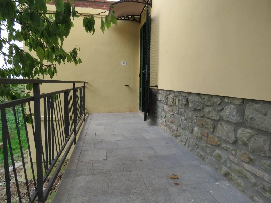 Soluzione Semindipendente in affitto a Cortona, 3 locali, zona Zona: Camucia, prezzo € 400 | Cambio Casa.it
