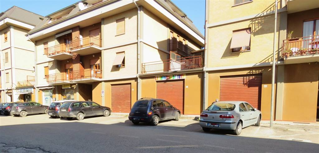 Negozio / Locale in vendita a Cortona, 3 locali, zona Zona: Camucia, prezzo € 120.000 | Cambio Casa.it