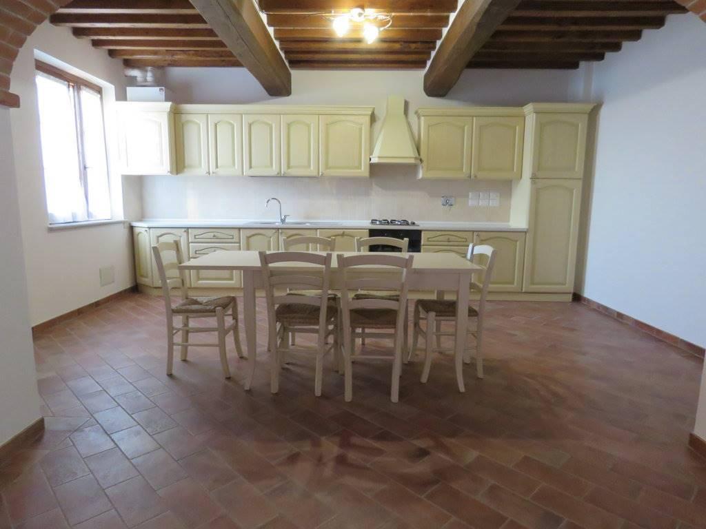 Soluzione Indipendente in affitto a Castiglion Fiorentino, 3 locali, zona Zona: Montecchio Vesponi, prezzo € 500 | Cambio Casa.it