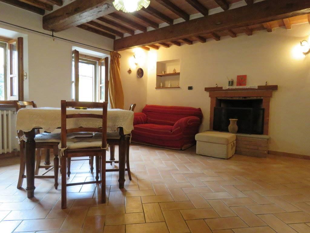 Soluzione Indipendente in affitto a Cortona, 4 locali, zona Località: CORTONA CENTRO, prezzo € 500   Cambio Casa.it