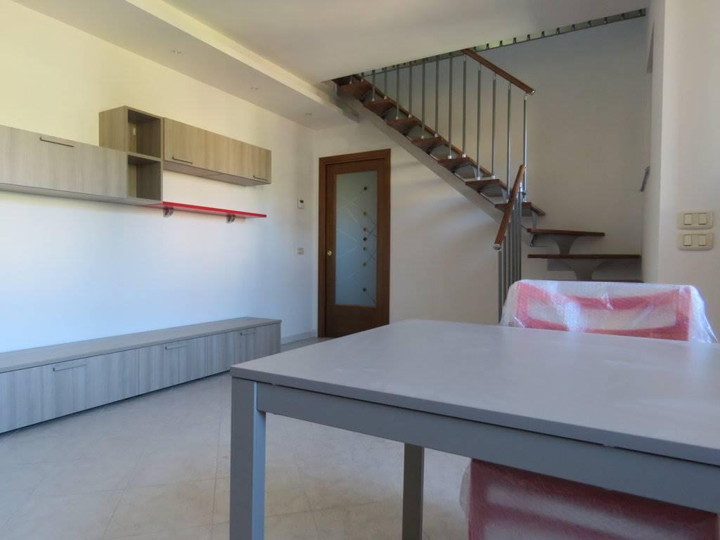 Appartamento in affitto a Cortona, 2 locali, zona Zona: Camucia, prezzo € 400 | Cambio Casa.it