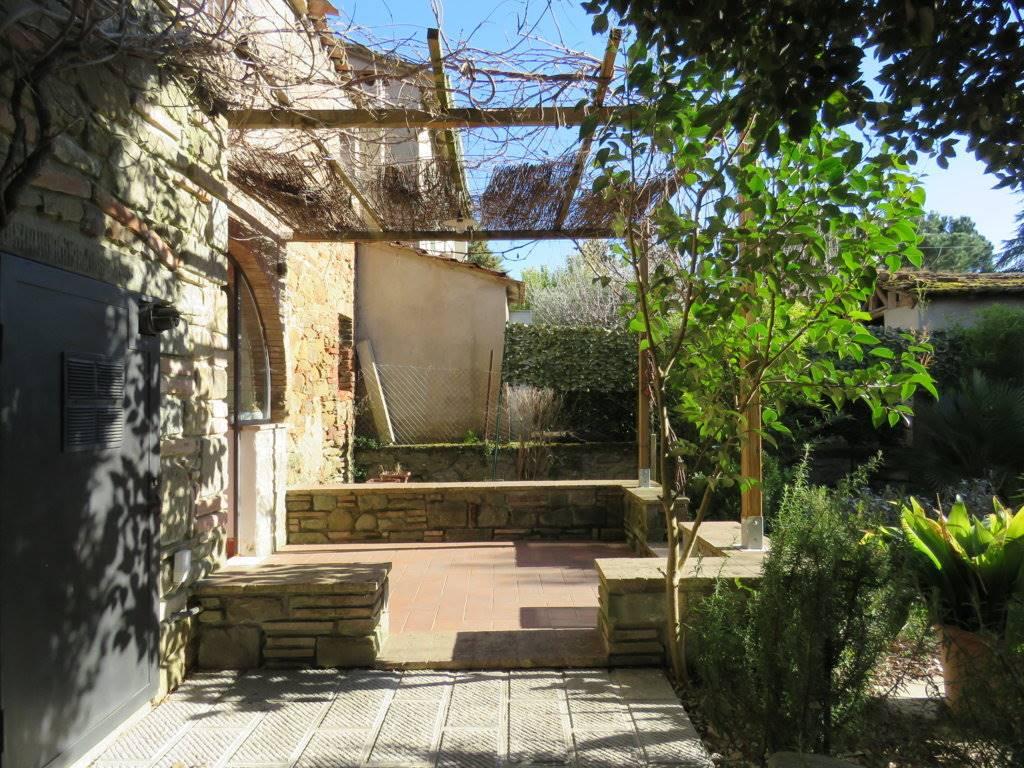 Soluzione Indipendente in vendita a Cortona, 3 locali, prezzo € 230.000 | Cambio Casa.it