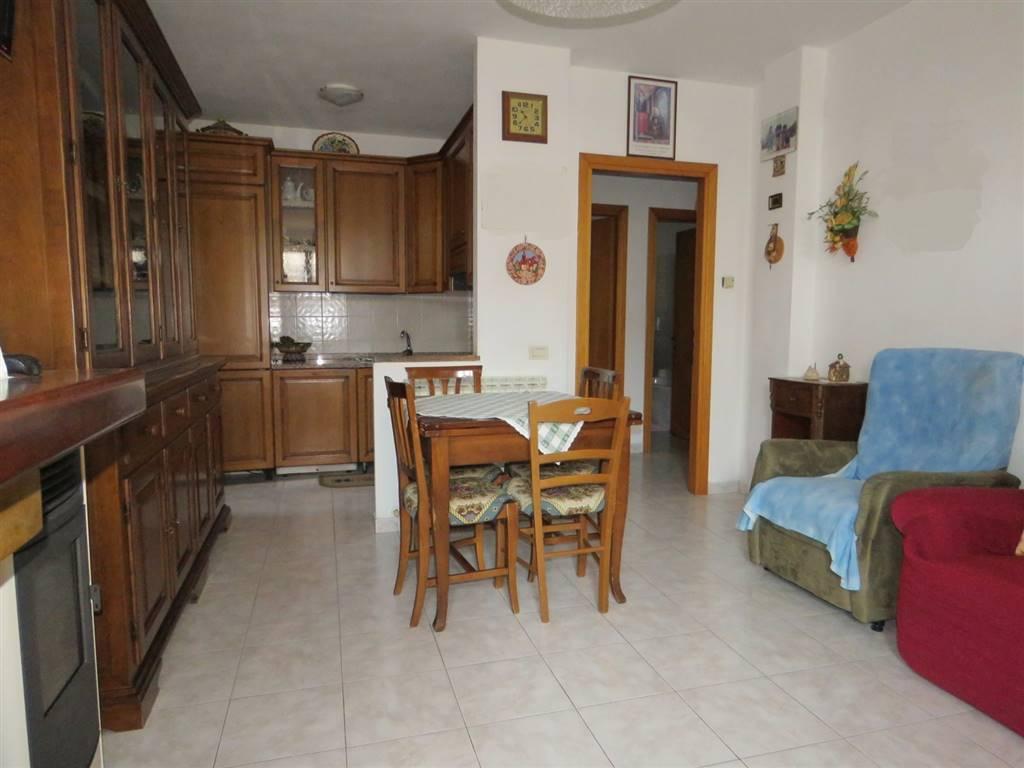 Soluzione Indipendente in affitto a Cortona, 3 locali, zona Zona: Camucia, prezzo € 350 | CambioCasa.it