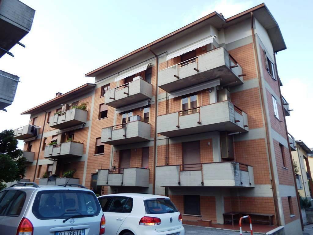 Appartamento in vendita a Cortona, 4 locali, zona Zona: Camucia, prezzo € 135.000 | CambioCasa.it