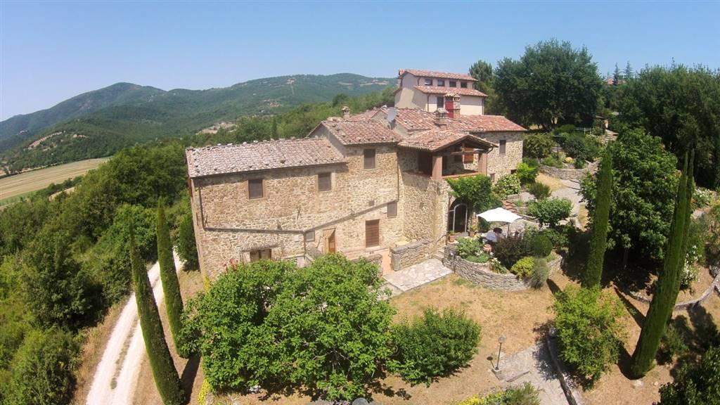 Soluzione Indipendente in vendita a Cortona, 8 locali, zona Zona: Sant'Andrea di Sorbello, prezzo € 675.000 | CambioCasa.it
