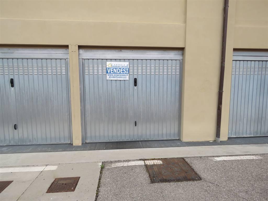 garage-Box-posto auto  in Vendita a Cortona