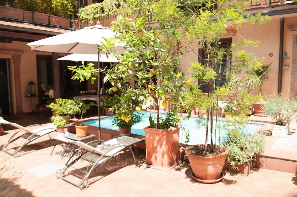 Appartamento in vendita a Milano, 10 locali, zona Località: FAMAGOSTA, prezzo € 4.100.000 | CambioCasa.it