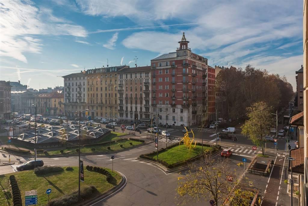 Appartamento in vendita a Milano, 5 locali, zona Zona: 15 . Fiera, Firenze, Sempione, Pagano, Amendola, Paolo Sarpi, Arena, prezzo € 1.095.000   CambioCasa.it