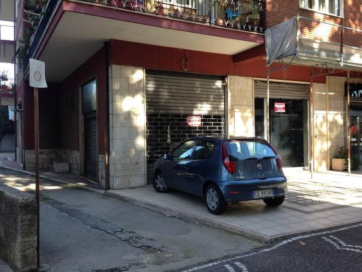 Negozio / Locale in vendita a Frosinone, 1 locali, zona Località: SCALO, prezzo € 260.000 | Cambio Casa.it