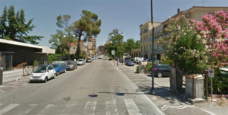 Ufficio / Studio in affitto a Frosinone, 9999 locali, zona Zona: Centro, prezzo € 600 | Cambio Casa.it