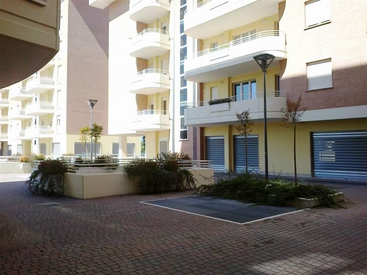 Negozio / Locale in vendita a Frosinone, 9999 locali, zona Zona: Centro, Trattative riservate | Cambio Casa.it