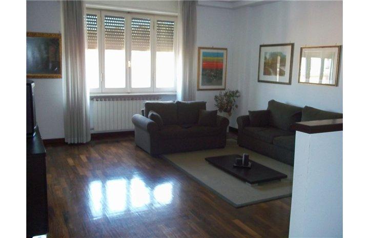 Attico / Mansarda in affitto a Frosinone, 5 locali, zona Zona: Centro, prezzo € 800   Cambio Casa.it