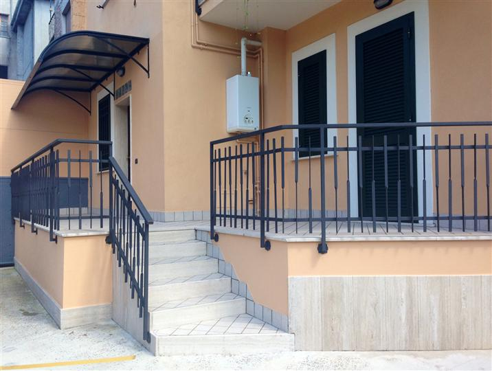Ufficio / Studio in affitto a Veroli, 3 locali, prezzo € 420 | Cambio Casa.it
