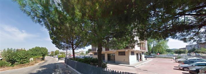 Negozio / Locale in affitto a Frosinone, 1 locali, zona Località: CORSO LAZIO, prezzo € 380 | CambioCasa.it