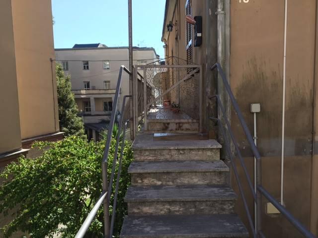 Soluzione Indipendente in vendita a Frosinone, 3 locali, zona Località: CENTRO ALTO, prezzo € 68.000 | Cambio Casa.it