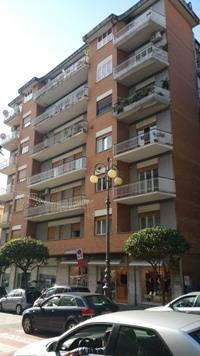 Appartamento in vendita a Lamezia Terme, 7 locali, zona Zona: Nicastro, prezzo € 170.000 | Cambio Casa.it