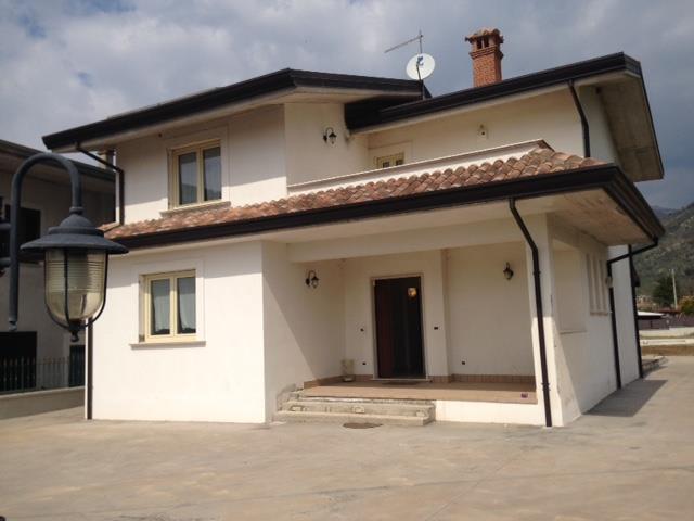 Villa in vendita a Veroli, 5 locali, zona Zona: San Giuseppe le Prata, prezzo € 257.000 | Cambio Casa.it