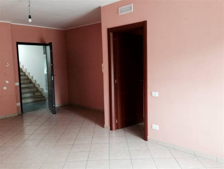 Soluzione Indipendente in affitto a Frosinone, 3 locali, prezzo € 400 | Cambio Casa.it