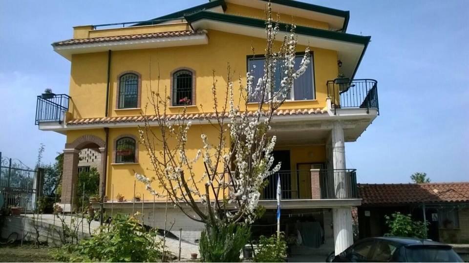 Soluzione Indipendente in affitto a Torrice, 3 locali, prezzo € 370 | CambioCasa.it