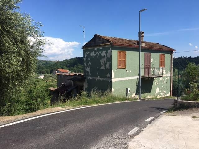 Soluzione Indipendente in vendita a Frosinone, 4 locali, zona Località: MANIANO, prezzo € 58.000 | CambioCasa.it