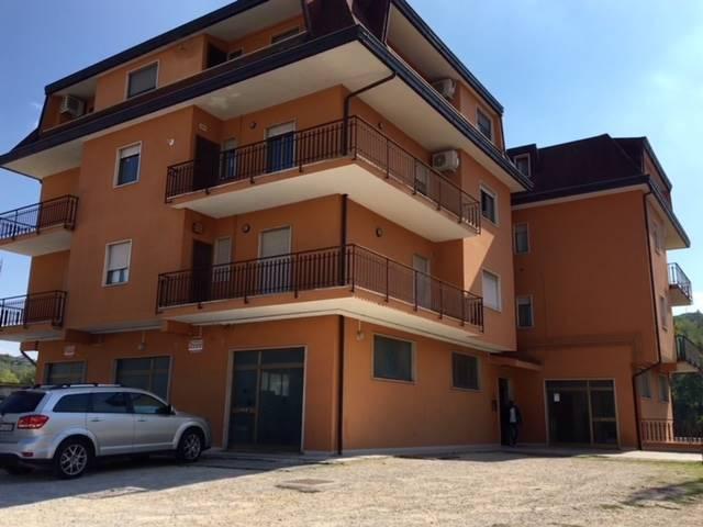 Negozio / Locale in affitto a Veroli, 2 locali, zona Zona: Castelmassimo, Trattative riservate | CambioCasa.it