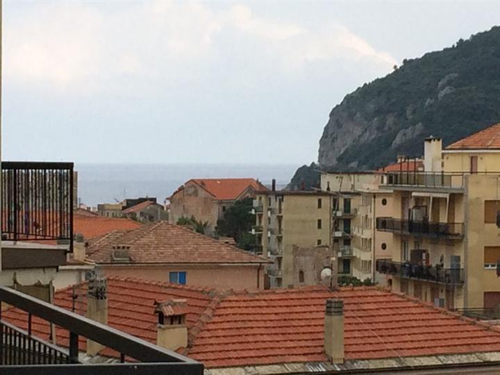 Appartamento in affitto a Noli, 4 locali, prezzo € 700 | Cambio Casa.it