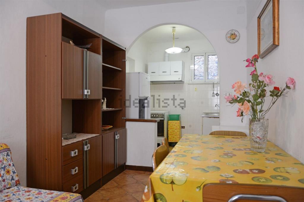 Appartamento in vendita a Noli, 4 locali, prezzo € 298.000   Cambio Casa.it