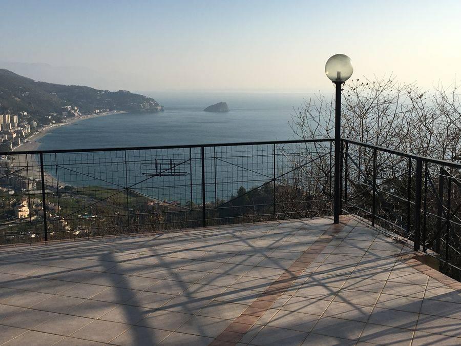 Villa in vendita a Noli, 7 locali, Trattative riservate | Cambio Casa.it