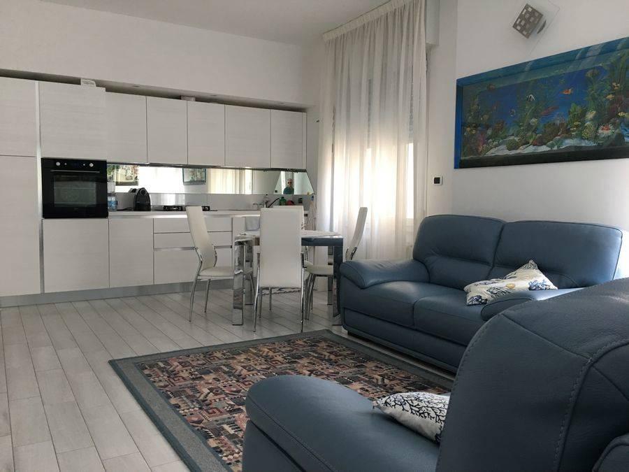 Appartamento in vendita a Spotorno, 3 locali, prezzo € 520.000 | CambioCasa.it