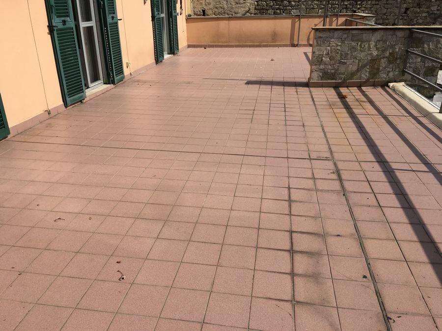 Villa in vendita a Noli, 6 locali, Trattative riservate   CambioCasa.it