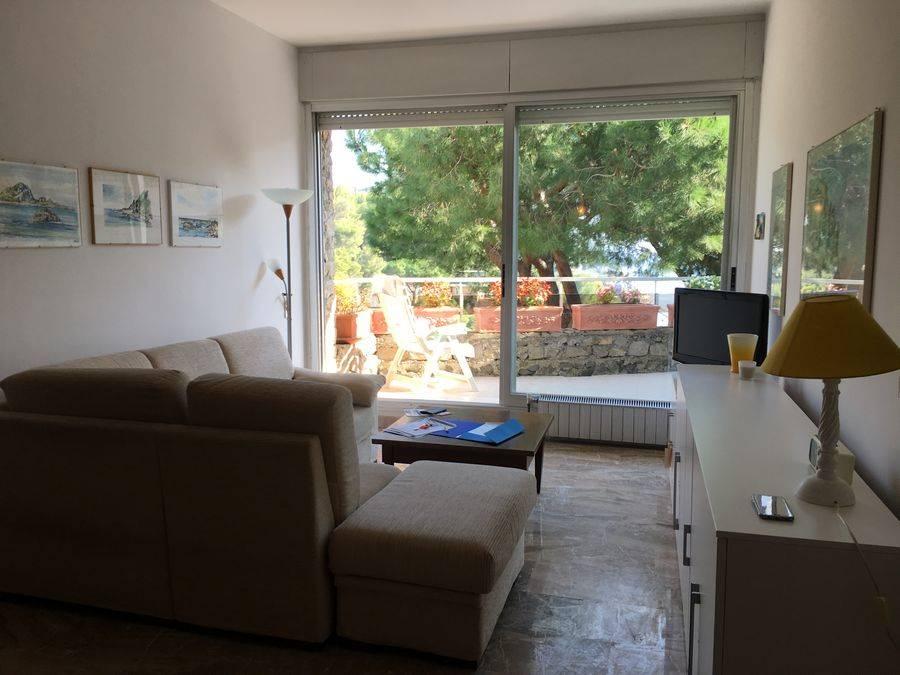 Appartamento in vendita a Bergeggi, 3 locali, prezzo € 425.000 | CambioCasa.it