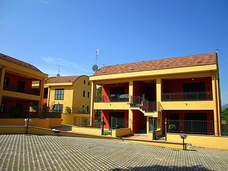 Appartamento in vendita a Artena, 3 locali, zona Zona: Macere, prezzo € 100.000 | Cambio Casa.it
