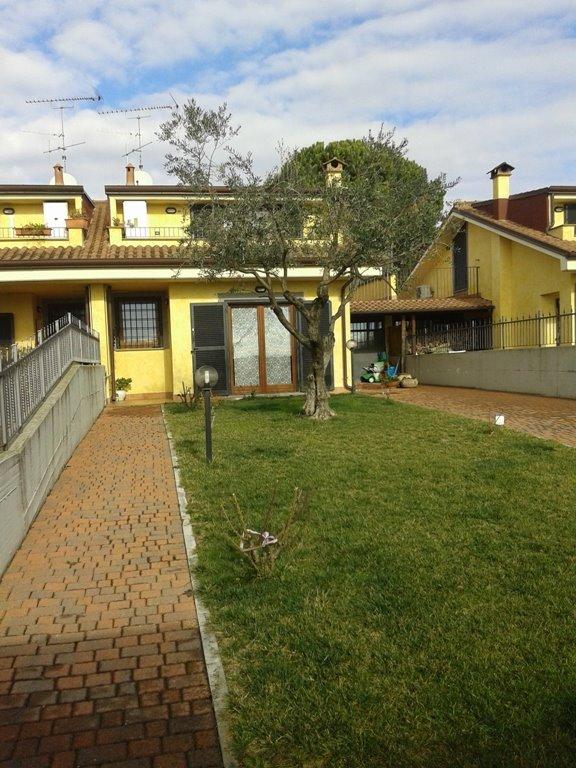 Villa a schiera a Lariano
