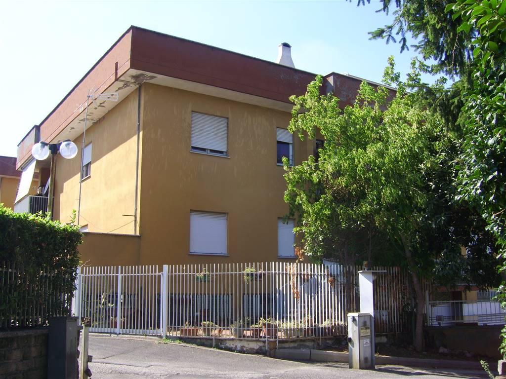 Appartamento in vendita a Lariano, 4 locali, zona Località: VIA NAPOLI, prezzo € 119.000 | Cambio Casa.it