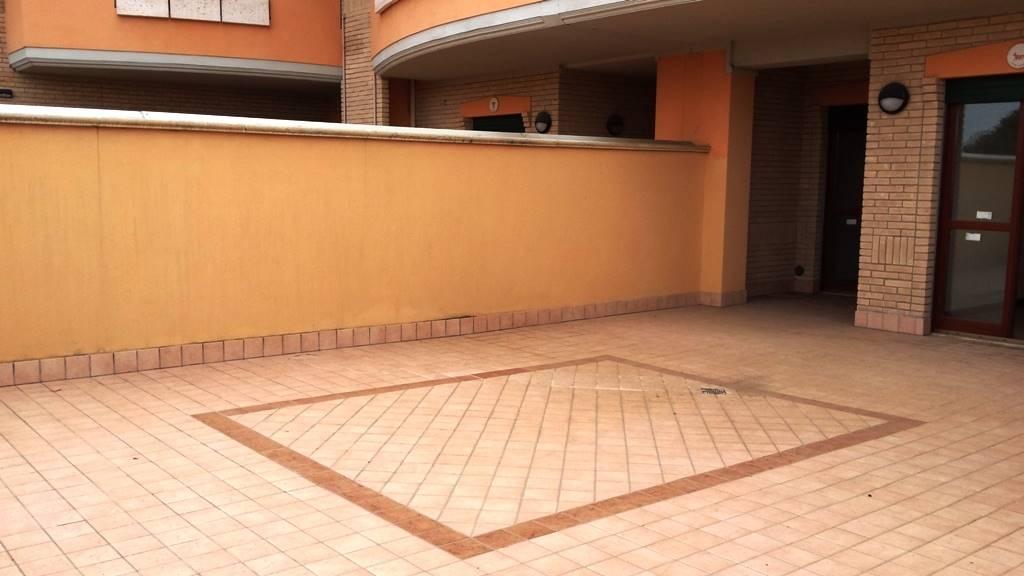 Appartamento in vendita a Lariano, 2 locali, zona Località: ADIACENTE CENTRO, prezzo € 127.000 | Cambio Casa.it