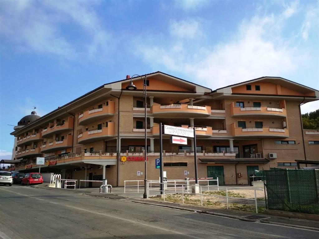 Appartamento in vendita a Lariano, 4 locali, zona Località: ADIACENTE CENTRO, prezzo € 159.000 | CambioCasa.it