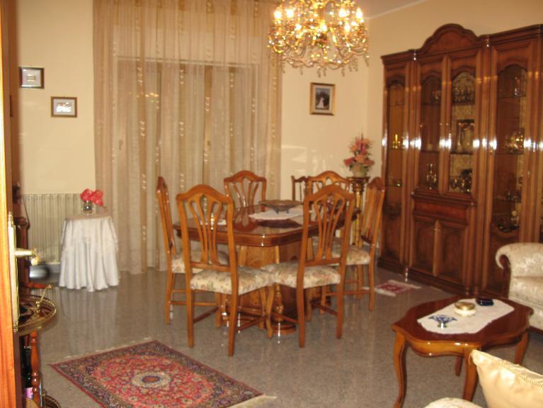 Appartamento in vendita a Canicattì, 6 locali, zona Località: B 6 ZONA FARO E CHIESA SAN CALOGERO, Trattative riservate | Cambio Casa.it