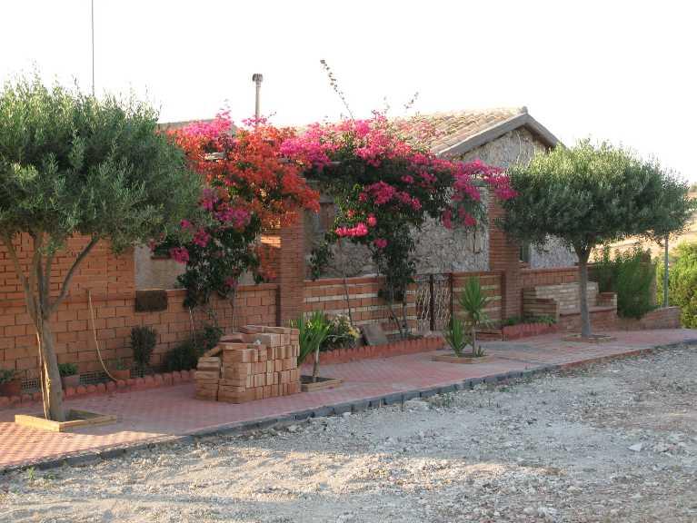 Villa in vendita a Canicattì, 5 locali, zona Località: A 6 ZONA ZONA USCITA CALTANISSETTA, Trattative riservate | Cambio Casa.it