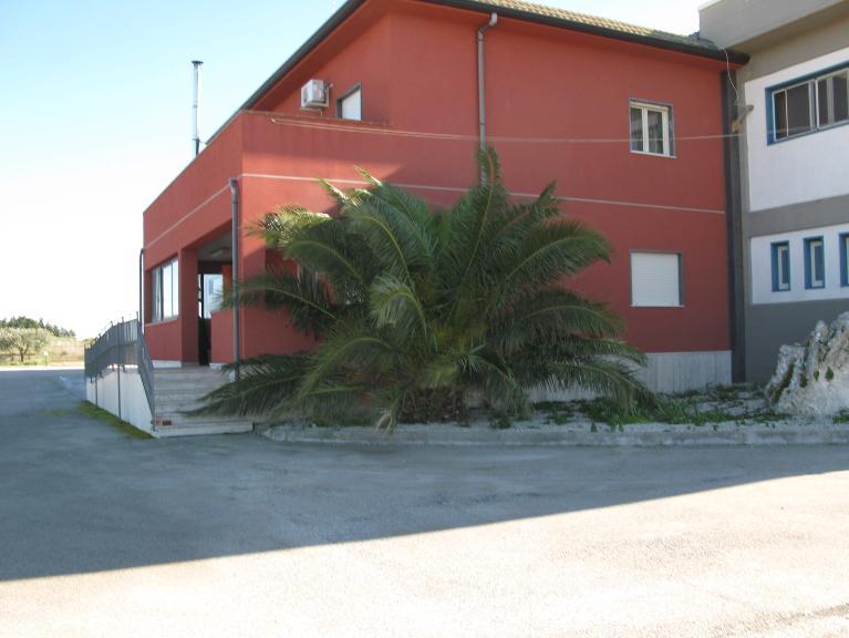 Capannone in vendita a Canicattì, 9999 locali, zona Località: ZONA USCITA AGRIGENTO, Trattative riservate | CambioCasa.it