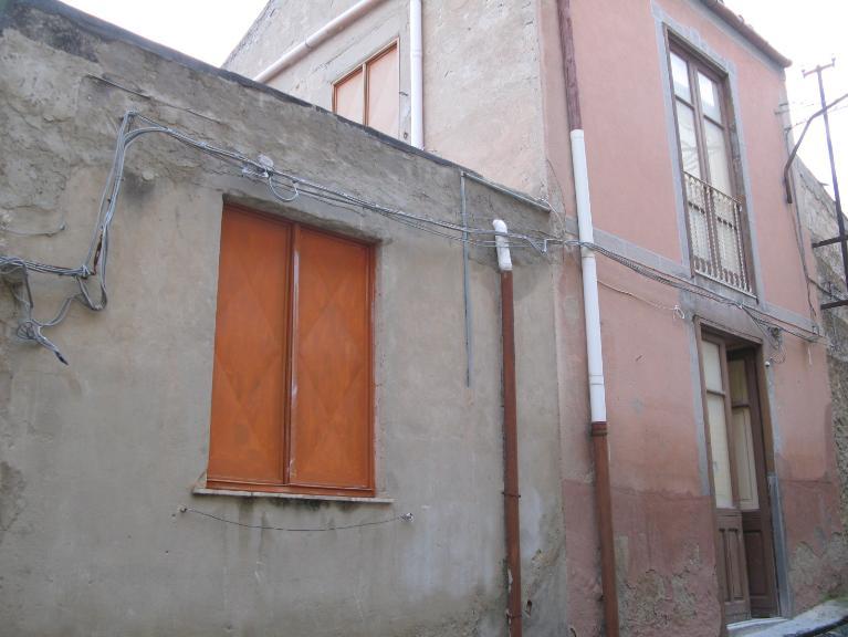 Soluzione Indipendente in vendita a Canicattì, 3 locali, zona Località: B 4 ZONA BADIA, Trattative riservate | Cambio Casa.it