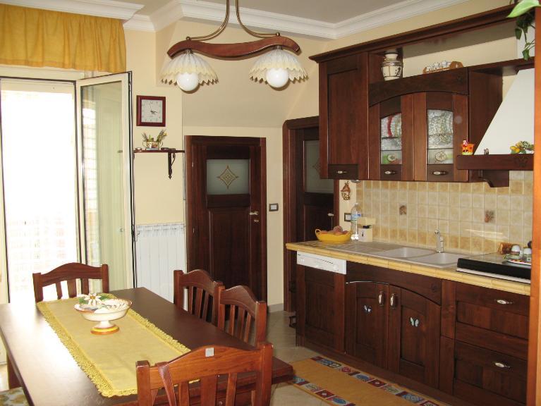 Appartamento in vendita a Canicattì, 5 locali, zona Località: AB 1 ZONA OSPEDALE, Trattative riservate | Cambio Casa.it