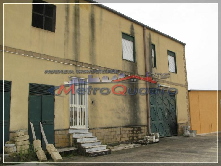 Ufficio / Studio in affitto a Canicattì, 2 locali, zona Località: A 6 ZONA ZONA USCITA CALTANISSETTA, Trattative riservate | Cambio Casa.it