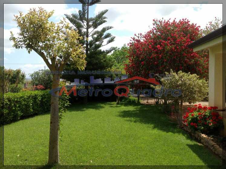 Villa in vendita a Canicattì, 4 locali, zona Località: D 3 ZONA USCITA CAMPOBELLO, prezzo € 130.000 | CambioCasa.it