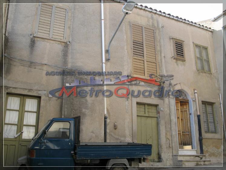 Soluzione Indipendente in vendita a Canicattì, 5 locali, zona Località: B4 ZONA BADIA E BORGALINO, prezzo € 50.000 | CambioCasa.it