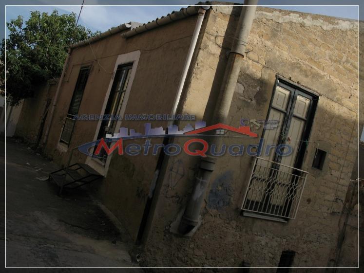 Soluzione Indipendente in vendita a Canicattì, 4 locali, zona Località: B4 ZONA BADIA E BORGALINO, prezzo € 8.000 | Cambio Casa.it