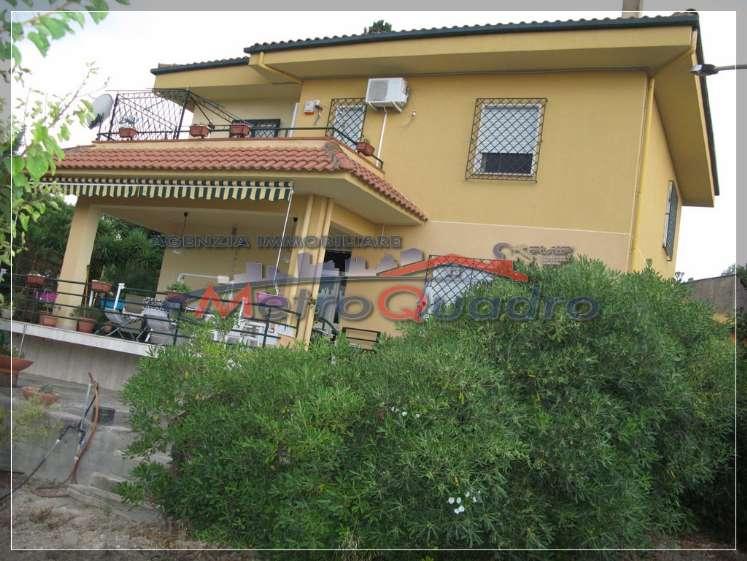Villa in vendita a Canicattì, 6 locali, zona Località: A 6 ZONA ZONA USCITA CALTANISSETTA, Trattative riservate | Cambio Casa.it