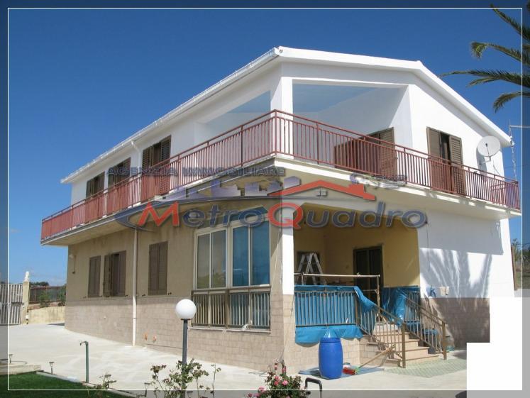 Villa in vendita a Canicattì, 6 locali, zona Località: ZONA USCITA AGRIGENTO, Trattative riservate | CambioCasa.it