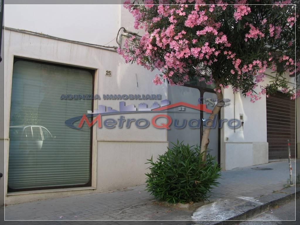 Immobile Commerciale in affitto a Canicattì, 9999 locali, zona Località: C 4 ZONA POSTA CENTRALE, prezzo € 350 | CambioCasa.it