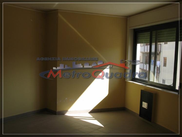 Ufficio / Studio in affitto a Canicattì, 4 locali, zona Località: C 4 ZONA POSTA CENTRALE, prezzo € 300 | Cambio Casa.it