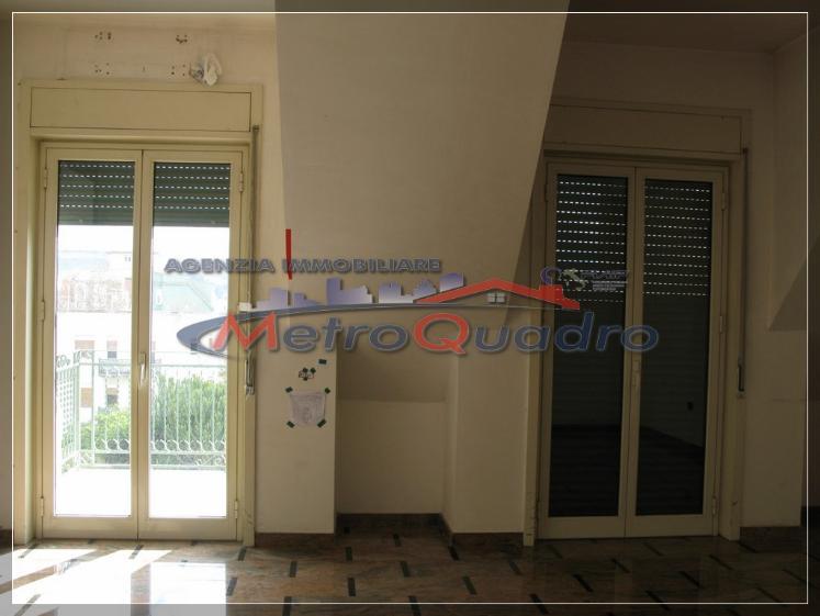 Ufficio / Studio in affitto a Canicattì, 3 locali, zona Località: C 3 ZONA VILLA COMUNALE, prezzo € 450 | Cambio Casa.it